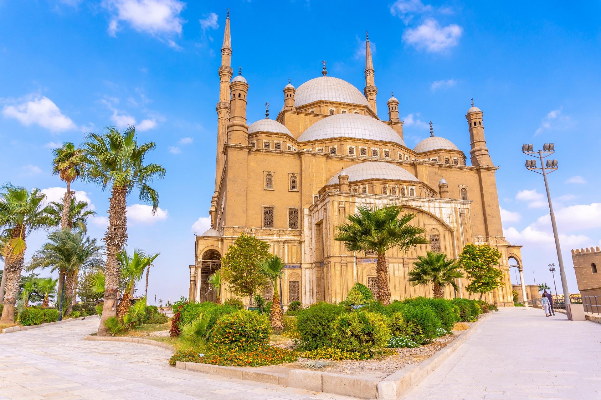 alabaster-mosque-city-cairo-egyptian-capital-africa