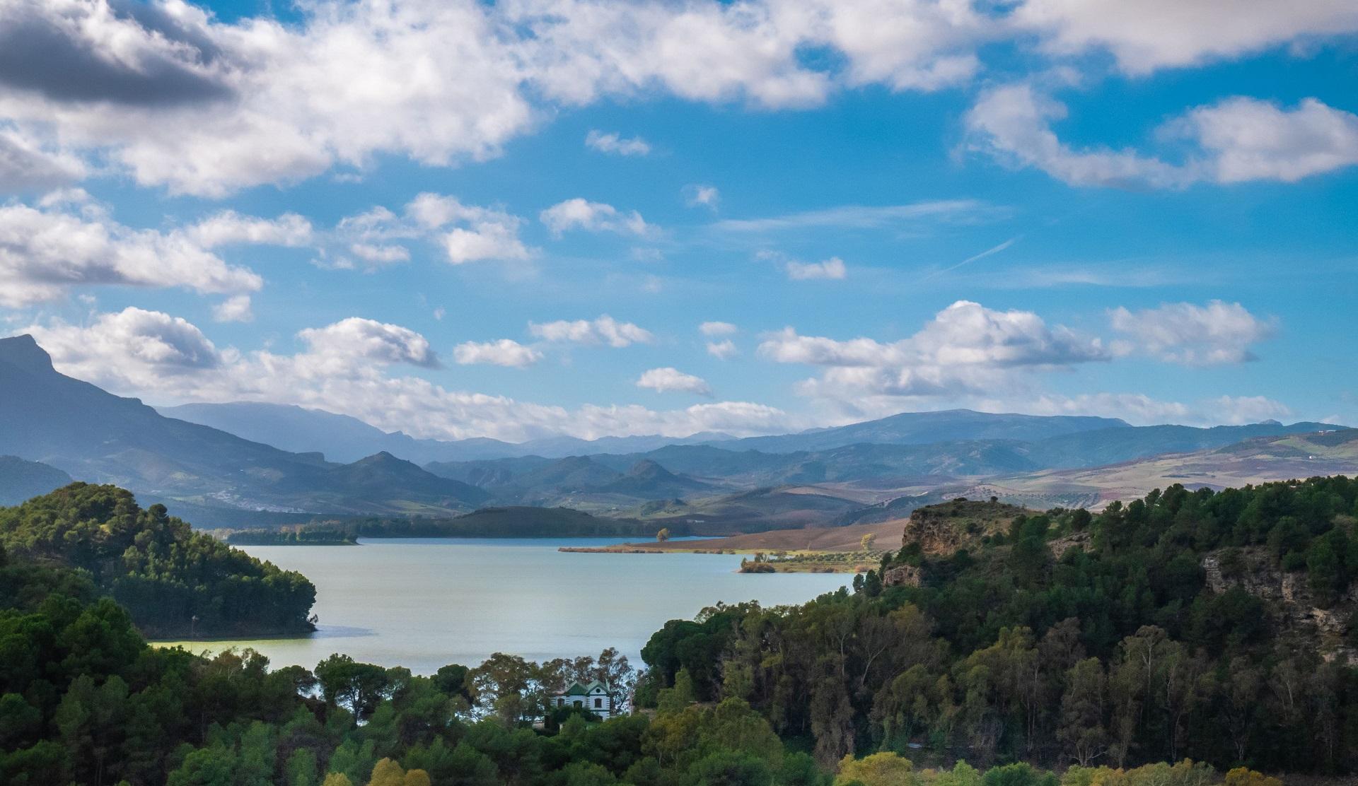 bridge-dam-reservoir-conde-de-guadalhorce-andalusia-spain