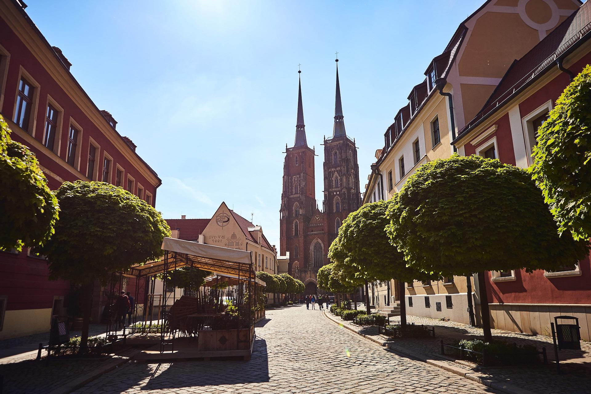 cathedral-st-john-baptist-tumski-island-wroclaw-city-popular-tourist-sight-poland