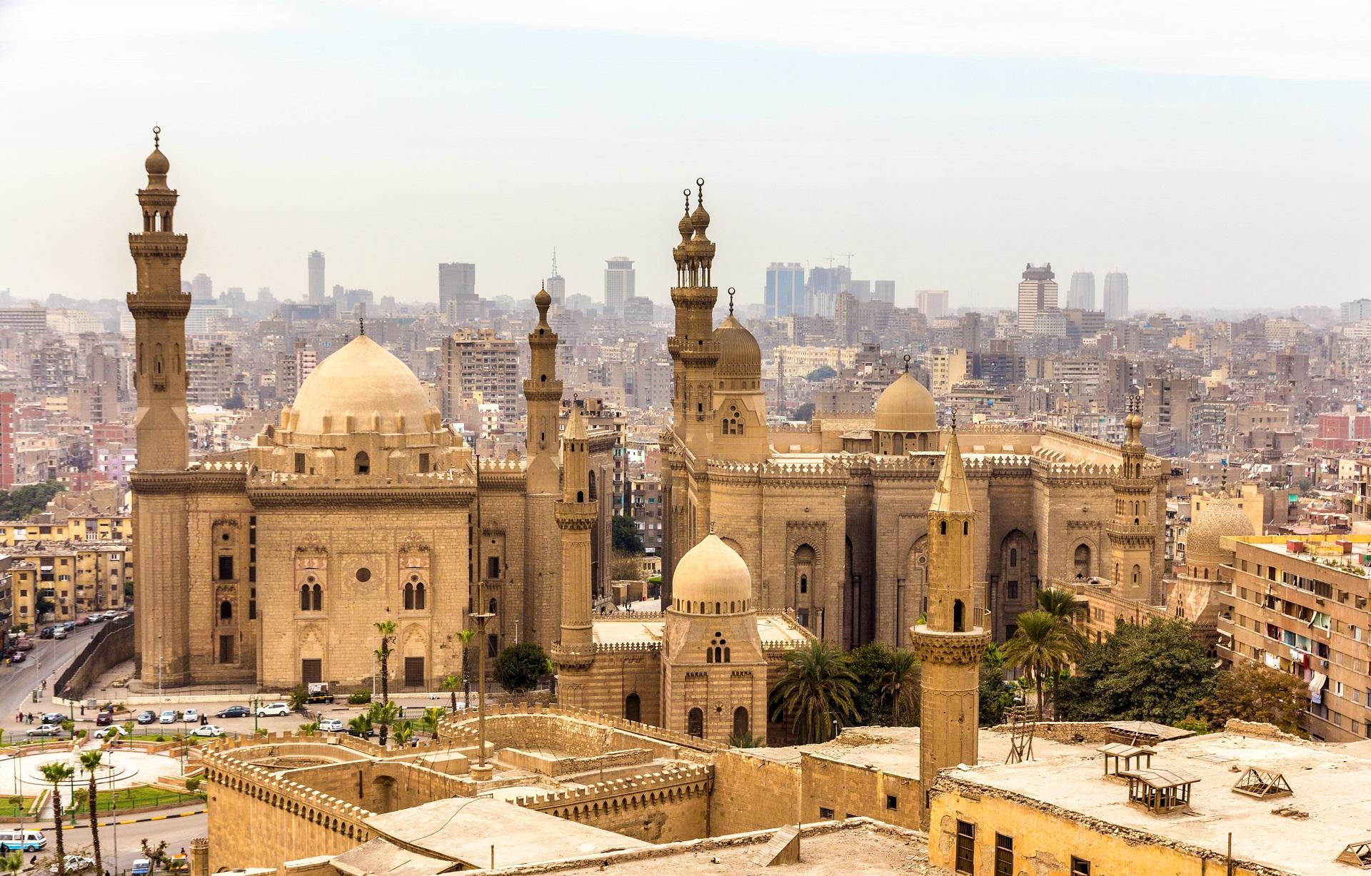view-mosques-sultan-hassan-al-rifai-cairo-egypt (2)