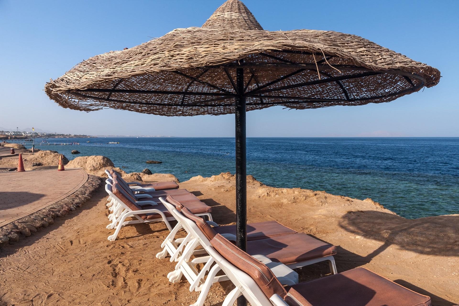 beach-luxury-hotel-sharm-el-sheikh-egypt-umbrella-against-blue-sky