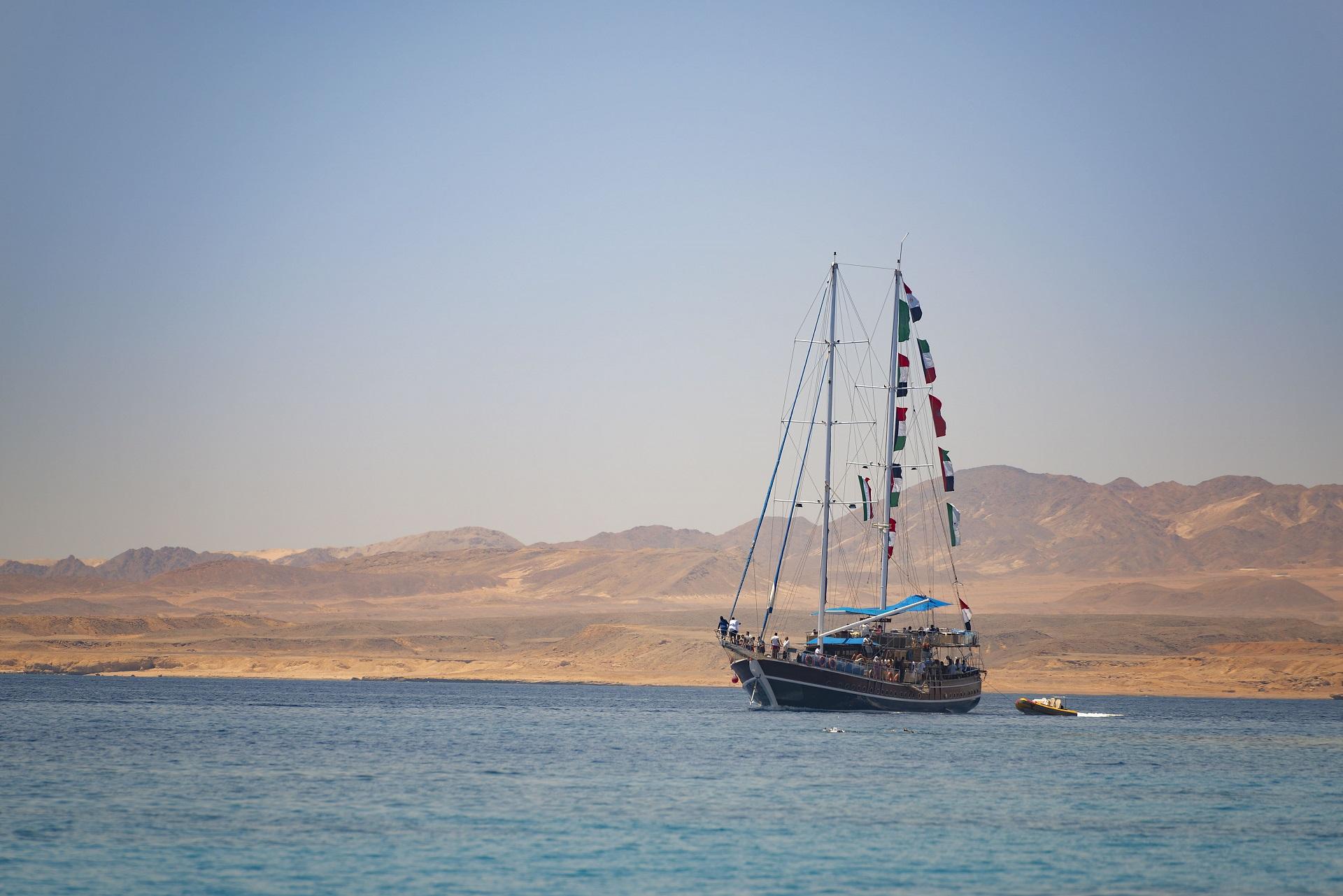 sea-ship-sailing-sunset-view-sharm-el-sheikh-egypt